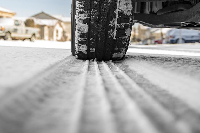 guida sulla neve - gomme invernali - Utilizzo di pneumatici invernali o catene da neve