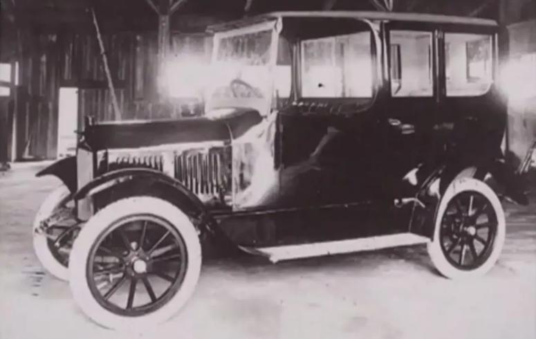 Elmicar_curiosità Nissan_auto storica